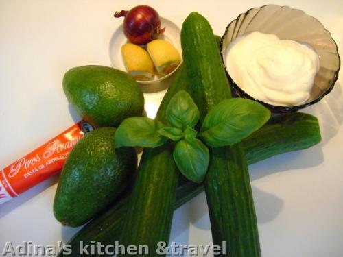 ingrediente supa rece de castraveti cu avocado