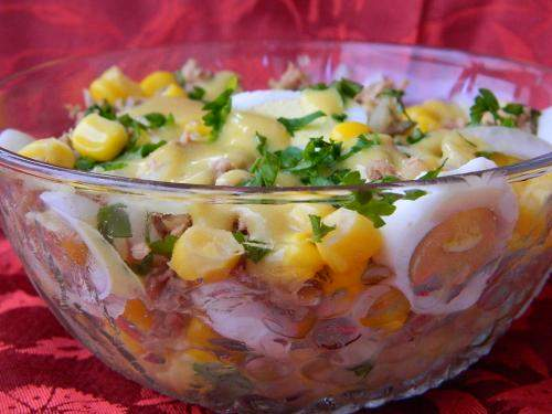 salata de ton cu sos vinegreta