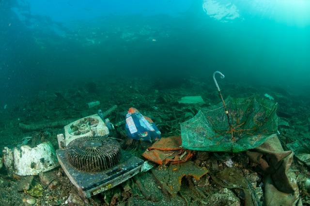 marea mediterana, deseuri de plastic