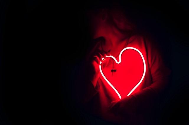 cuplu, intimitate, siguranta emotionala