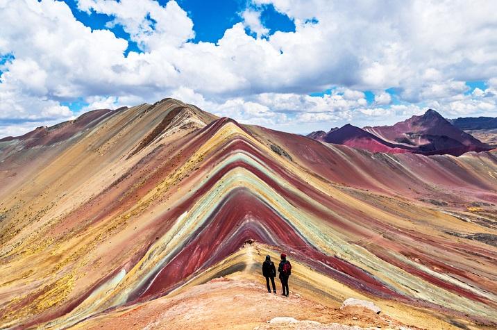Muntele Curcubeu, Peru