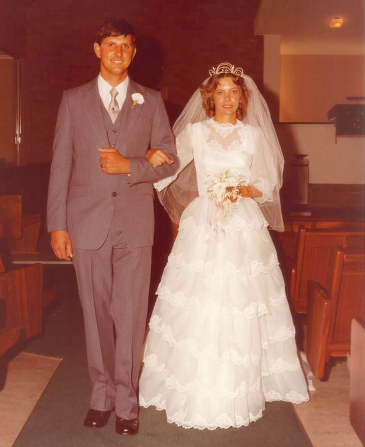 nunta 1970, cuplu 1970, rochie de mireasa 1970