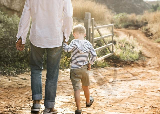 parinti si copii, cum sa le aratam copiilor ca ii iubim
