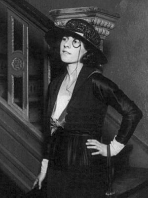 Ruth_Gordon_1919
