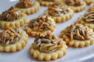 Biscuiti cu seminte de floarea-soarelui. Reteta biscuiti cu seminte de floarea-soarelui