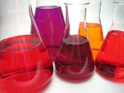 chimie sau joaca cu papusi?