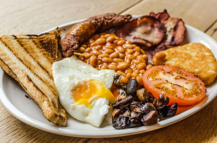 mic dejun Marea Britanie