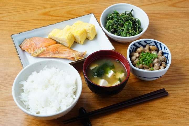 mic dejun japonia