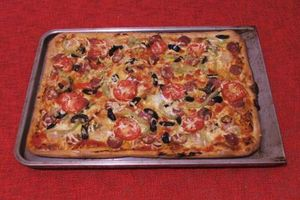 Pizza rapida facuta in casa