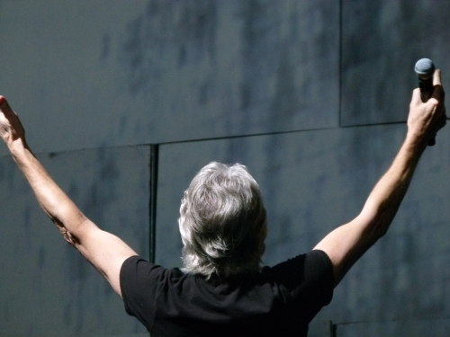 roger waters - the wall - pink floyd