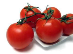 Beneficii rosii: cancer, antibacterian, sistem imunitar, colesterol, boli cardiovasculare