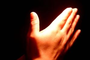Rugaciunea, calea spirituala catre subconstient si energiile superioare