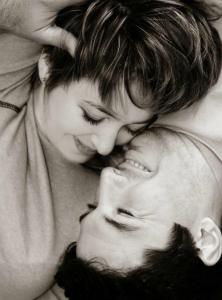 Sarutul, beneficiile Sarutului: muschi faciali, calorii, imunitate, calmant, inima, dinti, stres, legatura emotionala