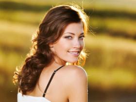 6 Trucuri frumoase si simple pentru a ne ascunde imperfectiunile fetei