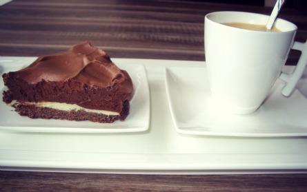 ciocolata si cafeaua te fac fericita