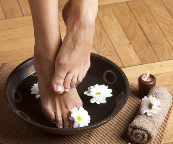 Tratează ciuperca piciorului cu bicarbonat de sodiu