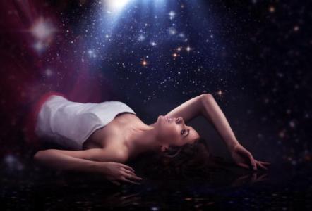 Horoscopul poetic al dragostei: Ce versuri iti incanta viata amoroasa?