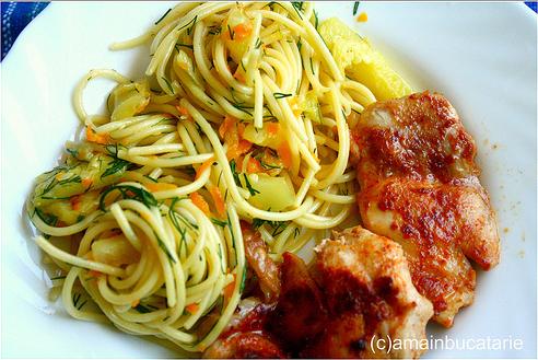 spaghete cu dovlecel si morcovi