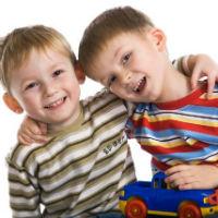 Relatia dintre frati: 7 metode pentru a atenua conflictele