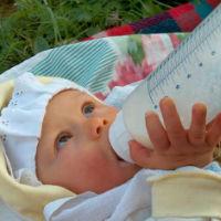 PRACTIC: Cum alegi tetina bebelusului