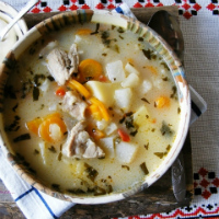 Ciorba de vitel cu legume si tarhon