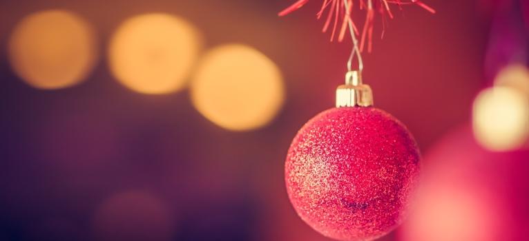 Calendarul astro-amoros al lunii Decembrie: Destin si dragoste pe 31 de zile