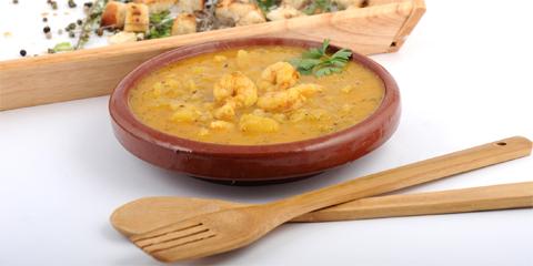 Specialitatile jamaicane preferate de romani: patty-urile si supa de mango cu creveti