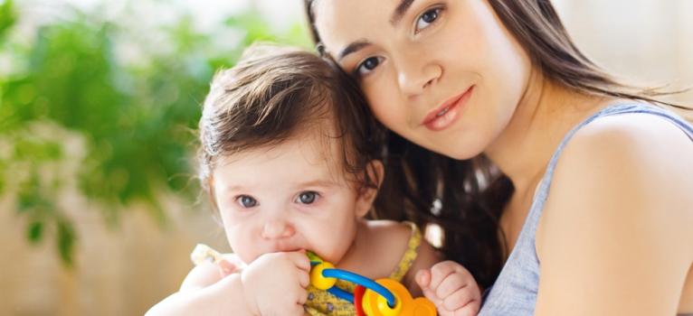 Cat stam cu bebe acasa? Si cu ce il ajuta pe copil acest lucru?