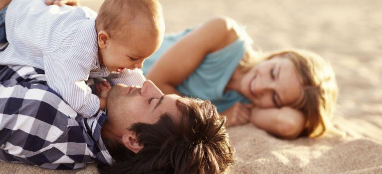 5 lucruri care iti vor garanta o vacanta linistita atunci cand calatoresti cu bebe