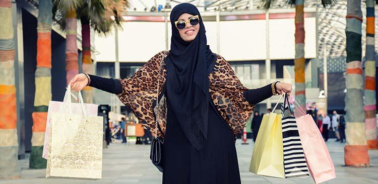 MODA ARABA: 18 look-uri moderne, de inspiratie orientala, de care te vei indragosti