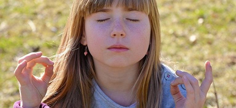 Meditatia si yoga in scoli?