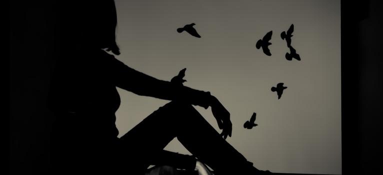 Psiholog: 3 motive pentru care ramanem in 'captivitate'