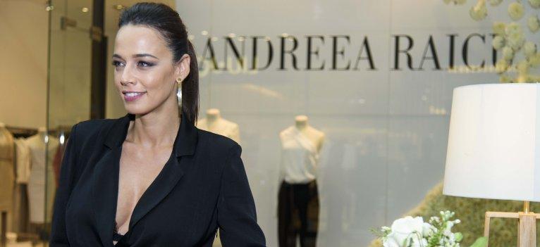 Andreea Raicu a lansat o noua colectie de haine in magazinul Victoria 46