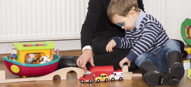 Autismul - un nou membru in familie. Ghid pentru parintii copiilor cu autism