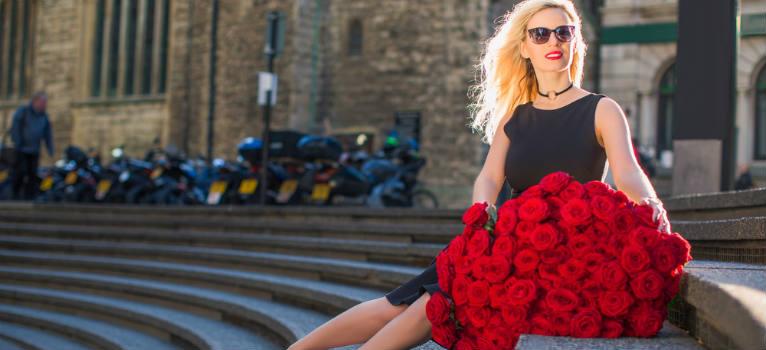 4 greseli vestimentare pe care o femeie nu are voie sa le mai faca dupa 30 de ani