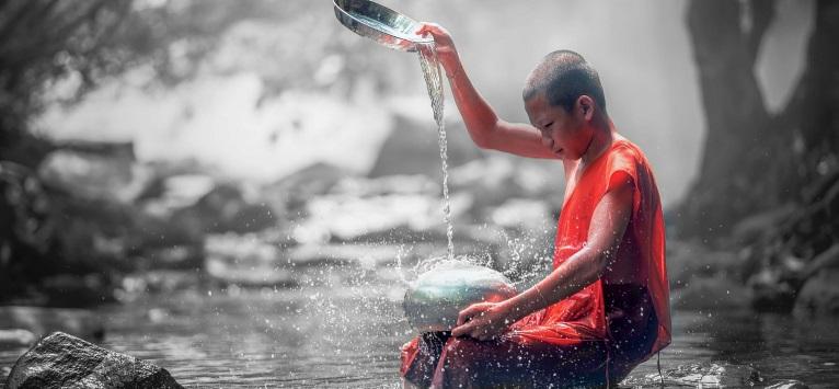 Si tu esti un CALUGAR ZEN! Cele 8 beneficii ale meditatiei in tacere!