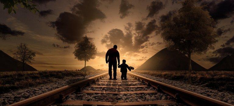 Ce inseamna adevarata bogatie? Un tata bogat invata de la fiul sau lectia vietii sale!