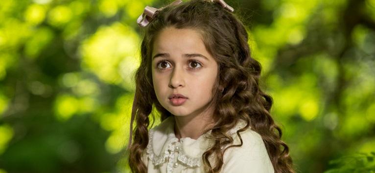 O fetita de 10 ani ii da replica lui Marcel Iures