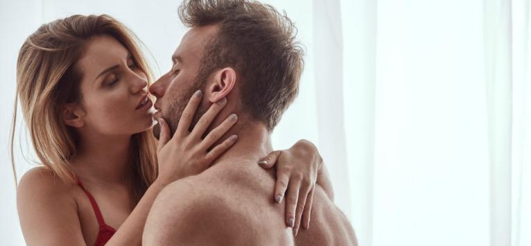 ARMA SECRETA a femeilor dorite de barbati! NU ESTE FRUMUSETEA