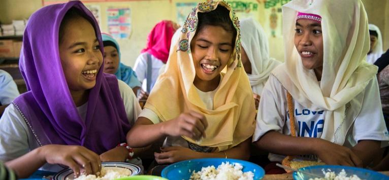 100 de milioane de portii de mancare pentru copii