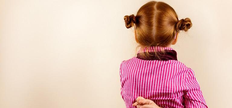 O mamica isi imbraca fetitele in hainute facute din camasile sotului! Rezultatul? MI-NU-NAT!!!