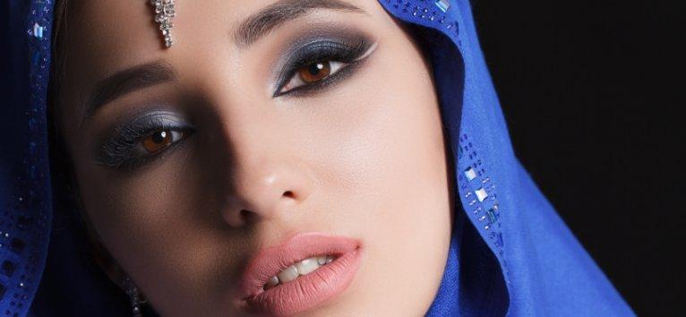 Machiajul arabesc este SPECTACULOS! 12 idei de machiaj arabesc de pe Instagram