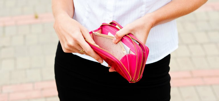 8 lucruri pe care orice femeie ar trebui sa le stie despre bani