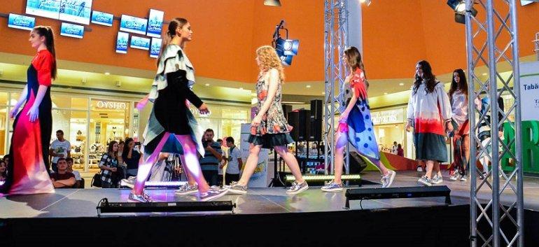 Colectia de moda SE POATE realizata de 47 de elevi din Tabara Meseriasilor pusa in vanzare la festivalul DIPLOMA