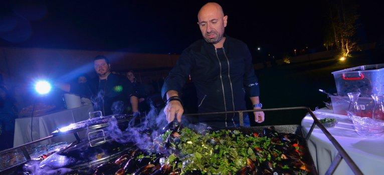 Chef Scarlatescu iti pregateste meniul pentru petrecerea de Craciun a firmei tale, la Jubile Concept!