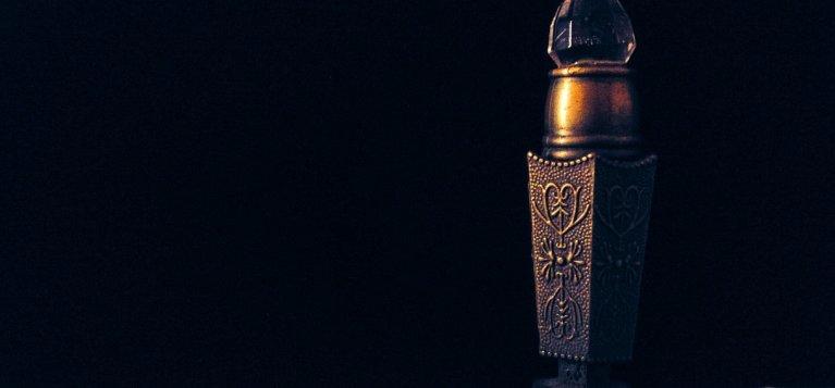 Povestea uluitoare a unei romance ajunse in Emirate: A adus Esentele desertului si la noi