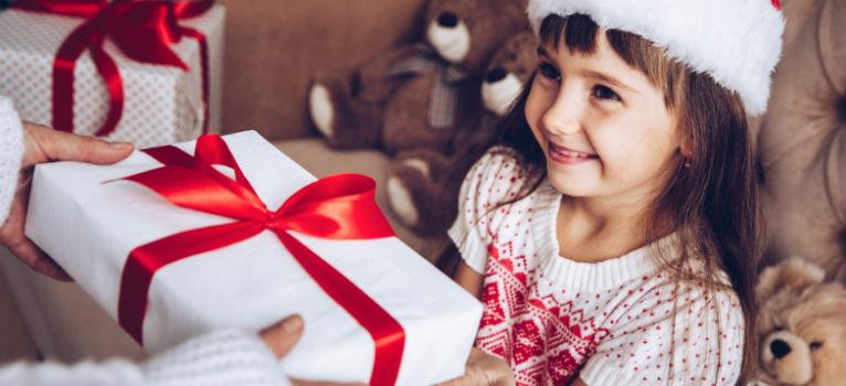 Nu exista cadoul perfect, exista cadou oferit cu drag. Cum alegem cadoul de Craciun pentru copii in functie de varsta lor