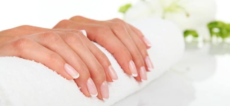 Sfatul specialistului: cum eviti subtierea unghiilor?