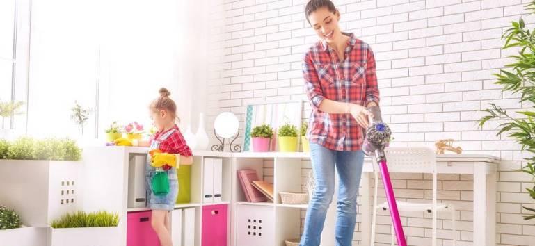 8 obiceiuri ale oamenilor care au mereu o casa curata