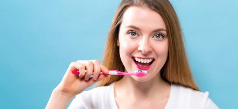 Cele mai comune 9 mituri despre sănătatea orală